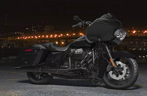 2018 Road Glide® Special - Vivid Black Option