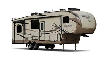 2018 8295WS Signature Ultra Lite Fifth Wheels