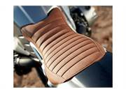 Seat in patented leather style
