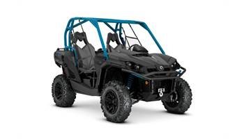2019 Commander™ XT™ 800R - Carbon Black & Octane Blue