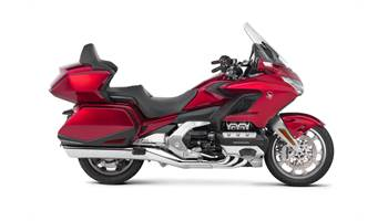2019 Gold Wing Tour DCT - Candy Ardent Red
