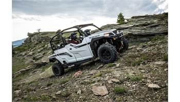 2019 Polaris GENERAL® 4 1000 - Matte White Metallic