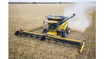 2018 CR Series - Tier 4B Twin Rotor® Combine CR7.90