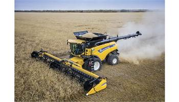 2018 CR Series - Tier 4B Twin Rotor® Combine CR8.90