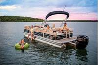 2019 Sun Tracker PARTY BARGE® 22 RF DLX