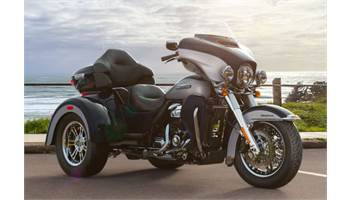 2019 Tri Glide® Ultra - Two-Tone Option