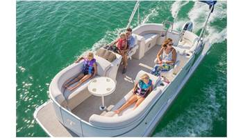2019 LT Quad Lounge 24'