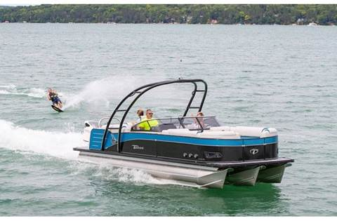 2019 Cascade Platinum Windshield 27'