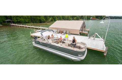 2019 Catalina Entertainer 25'
