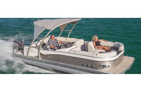 2019 Catalina Platinum Rear J Lounge 25'
