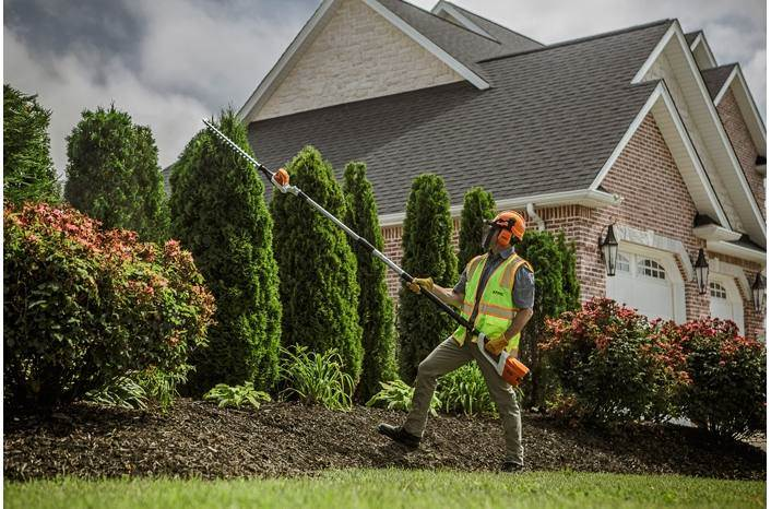 Man using STIHL® hedge clipper