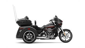 2020 CVO™ Tri Glide® - Custom Color