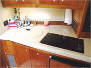 13638 2004 Cruisers 400 Express interior galley 3