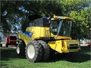 2007 New Holland CR9070 (1)