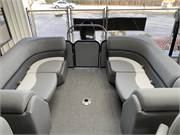 2019 Manitou 23 Aurora LE RF Rear Lounge Seating