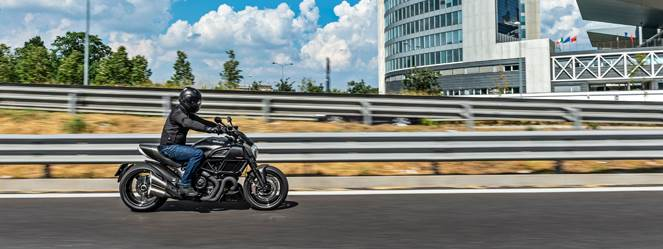 Ducati Diavel Carbon in Fort Myers, Florida