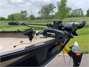 2019 ANGLER V17 SF Bow and Trolling Motor