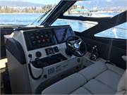 470 Helm and Dual Ultra Leather Seating