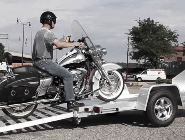 feature-triton-trailer-motorcycle