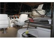 1996 Sea Ray 420 Aft Cabin 16