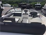 13516 2019 Bayliner DX2050 cockpit all