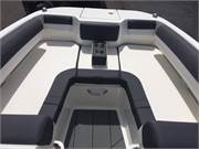 13516 2019 Bayliner DX2050 cockpit bow
