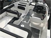 13585 2019 Bayliner VR5 cockpit all