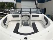 13585 2019 Bayliner VR5 cockpit bow