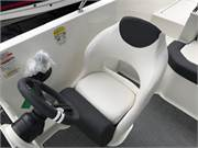 13494 2019 Bayliner DX2000 cockpit helm seat2