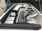 13494 2019 Bayliner DX2000 cockpit