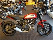 2017 Ducati Scrambler Icon in Red (1)