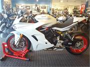 2017 Ducati SuperSport S White (2)