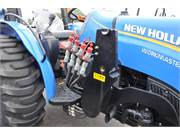2017 New Holland Workmaster 70 Utility Tractor (4)