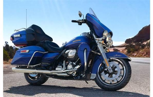 2017 Harley-Davidson® FLHTK Ultra Limited - Custom Color Option