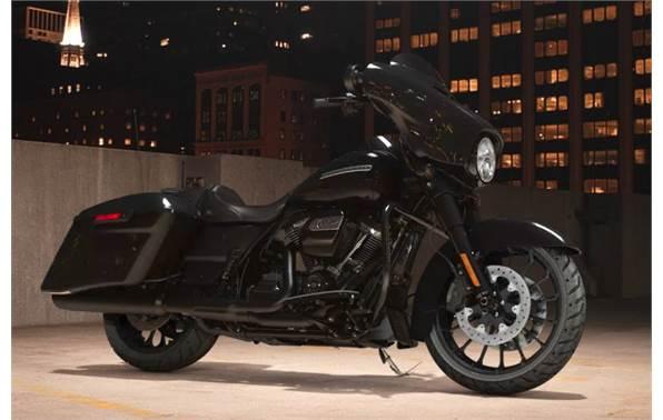 2018 Harley Davidson Street Glide Special Vivid Black Option