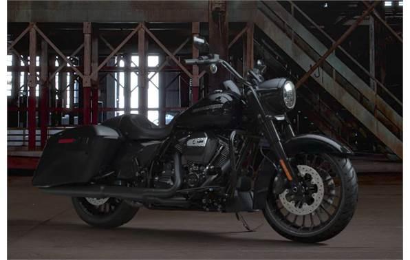 2018 Harley-Davidson® Road King® Special - Vivid Black Option