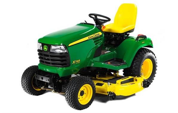 2014 John Deere Select Series™ X748 24 hp with 54X Deck