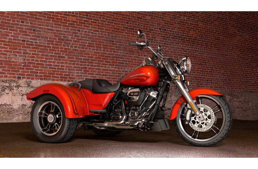 Flrt Freewheeler® Custom Color Option: Harley Trike Exhaust At Woreks.co