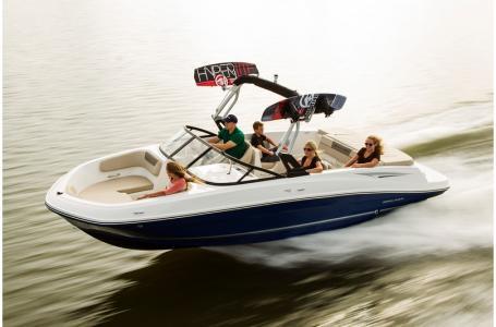 2018 Bayliner boat for sale, model of the boat is VR6 Bowrider & Image # 1 of 6