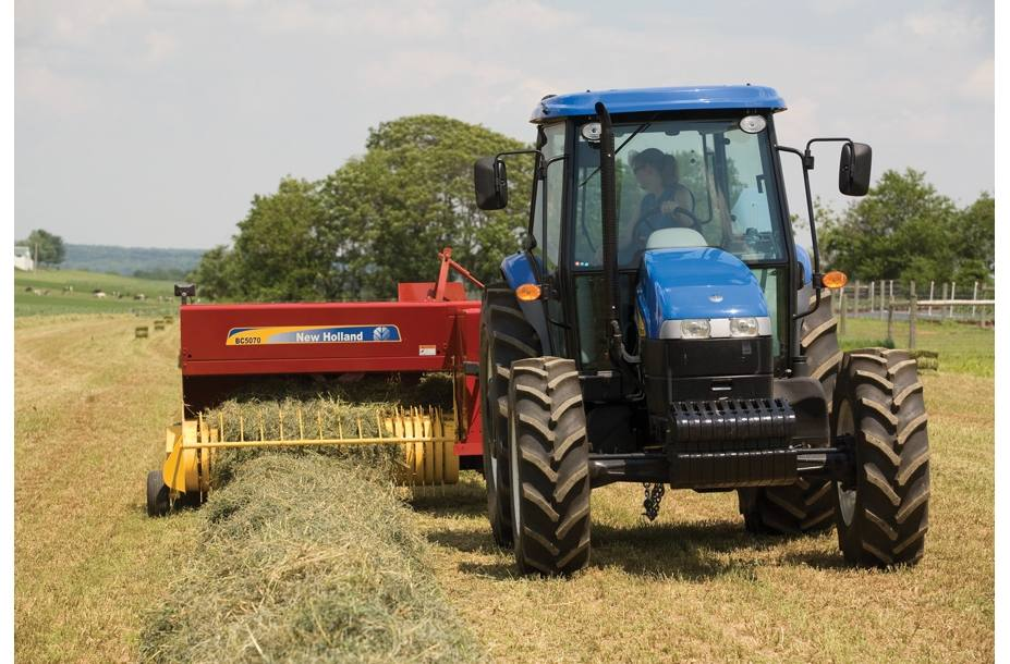 2018 New Holland Agriculture BC5000 Small Square Baler BC5060 for