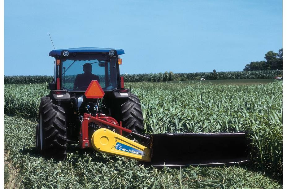 2018 New Holland Agriculture Economy Disc Mower HM235