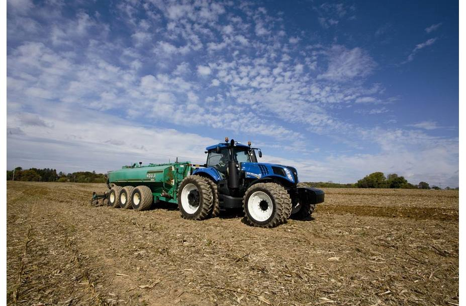 2018 New Holland Agriculture GENESIS® T8 Series - Tier 4B T8 435 for