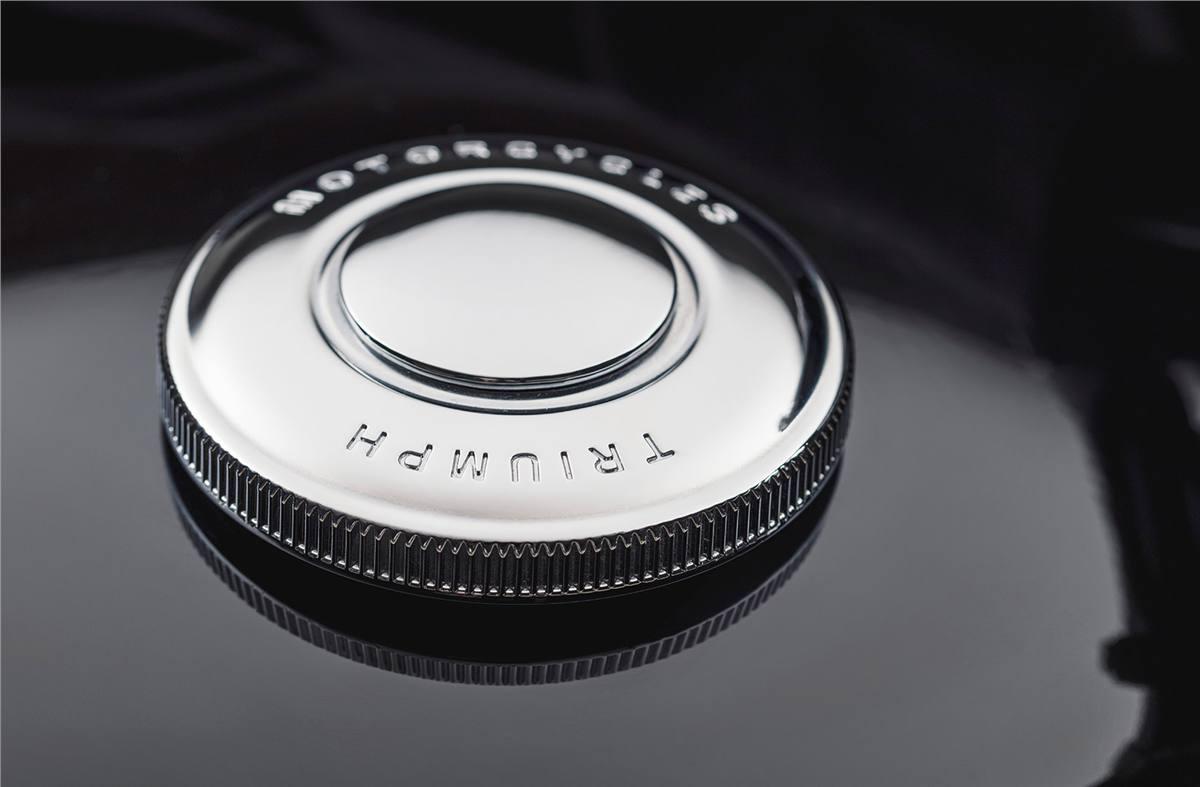 2019 Triumph Bonneville Bobber Black