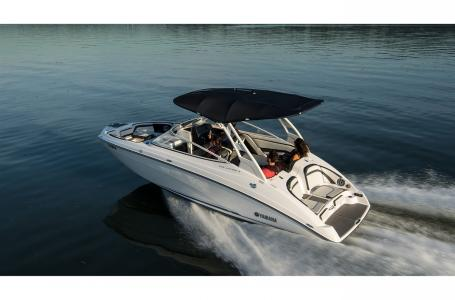 2019 Yamaha boat for sale, model of the boat is 242 Limited S E-Series & Image # 4 of 9