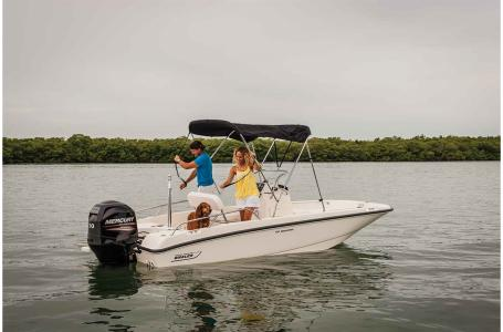 2019 Boston Whaler boat for sale, model of the boat is 170 Dauntless & Image # 4 of 7
