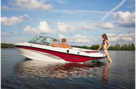 2019 Rinker boat for sale, model of the boat is 18QX BR / Stern Drive Model & Image # 2 of 7