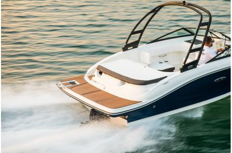 2019 Sea Ray boat for sale, model of the boat is SPX 190 & Image # 8 of 14