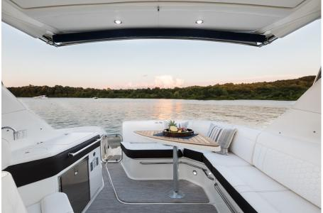 2019 Sea Ray boat for sale, model of the boat is Sundancer 320 & Image # 11 of 17