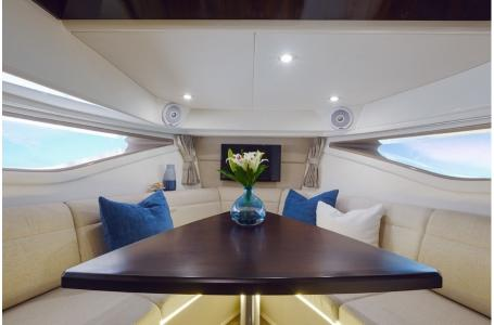 2019 Sea Ray boat for sale, model of the boat is Sundancer 320 & Image # 8 of 17
