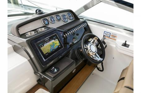 2019 Sea Ray boat for sale, model of the boat is Sundancer 350 & Image # 5 of 11